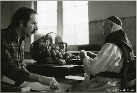 Stanley Roseman drawing a Belgian Trappist monk in the kitchen. © Photo by Ronald Davis