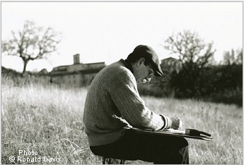 Stanley Roseman drawing on a hillside near the Abbey of San Pedro de Cardeña, Castile,1998. Photo © Ronald Davis